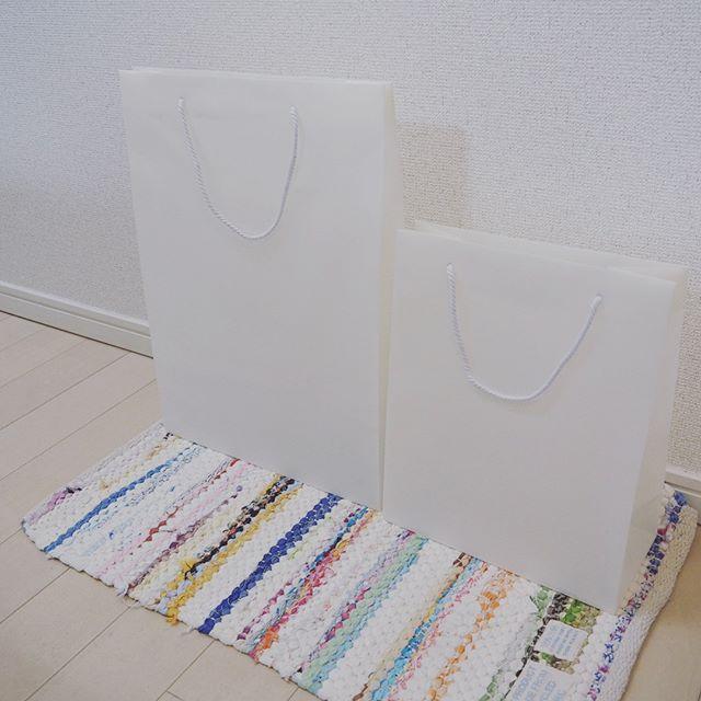 ポリプロピレン素材の手提げ袋