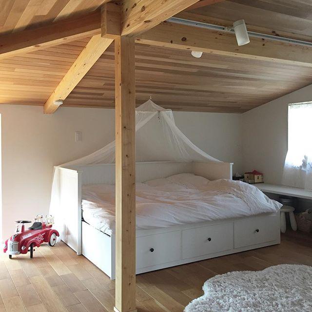 安眠に効果的な寝室インテリアの法則95