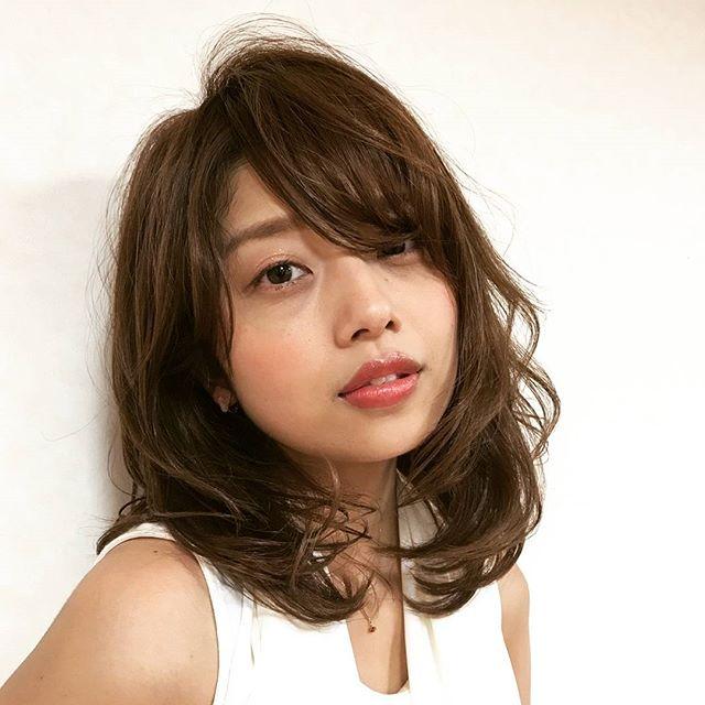 輪郭を引き締めて小顔に見せれる髪の毛を作り出せる