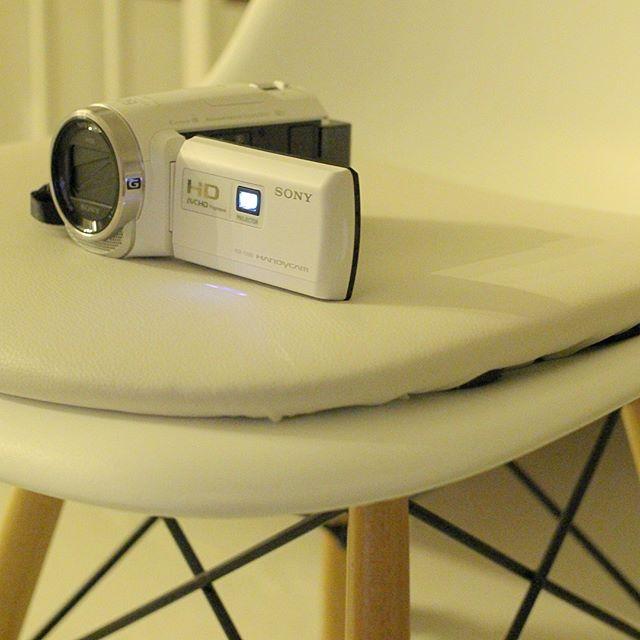 プロジェクター付きビデオカメラ
