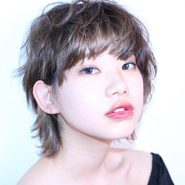 小顔効果の高い重めの前髪2