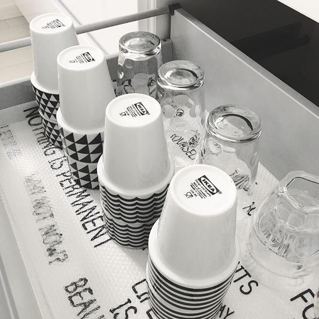 引き出し式の食器棚収納アイデア2