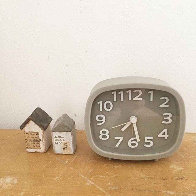ダイソーのシンプル時計
