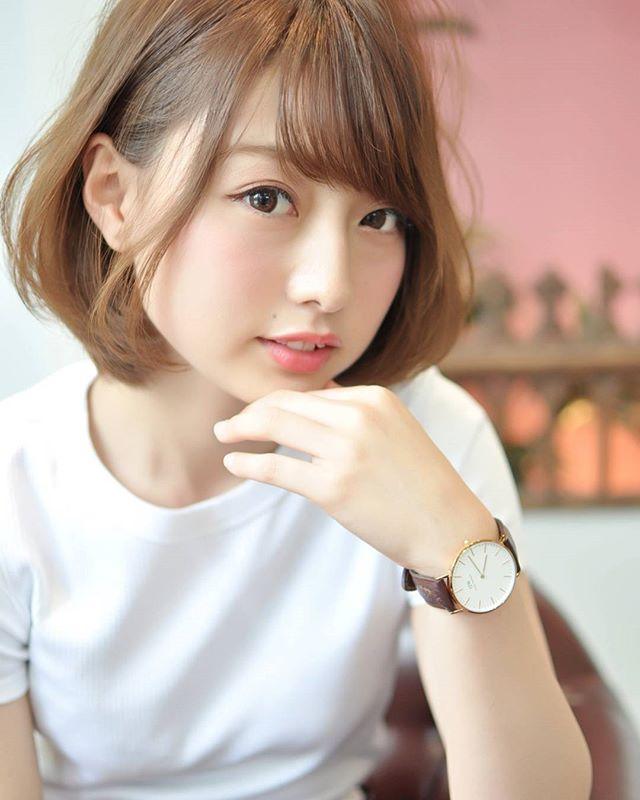 小顔効果の高い重めの前髪5