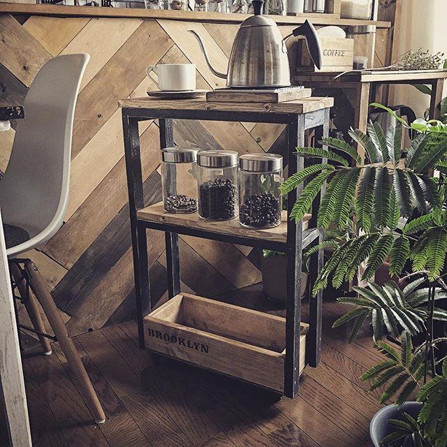 キッチンワゴンをコーヒースタンドとして活用
