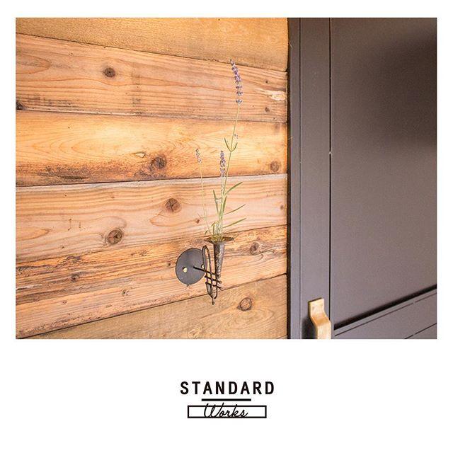 ドアに合わせた壁デコレーション2