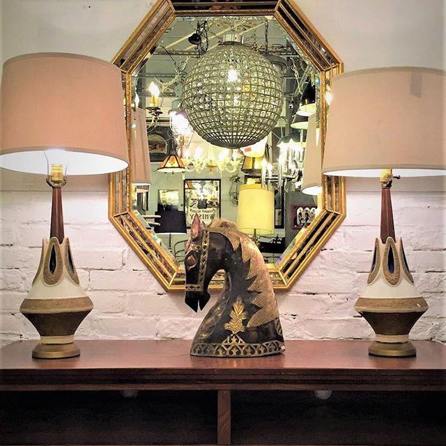スタイリッシュな家具と雑貨はバランスよく飾る