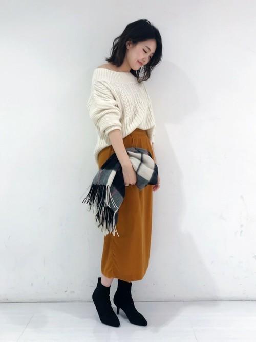 Pベルベットコクーンスカート