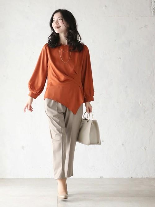 [cawaii] ささやかドレープのデザインカットブラウス(オレンジ)変形トップス イレヘムトップス バルーン袖