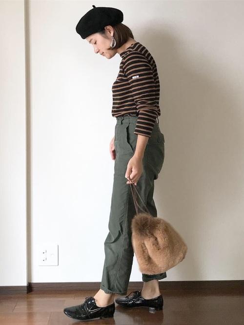 パンツスタイルでマニッシュに決めるベレー帽コーデ17