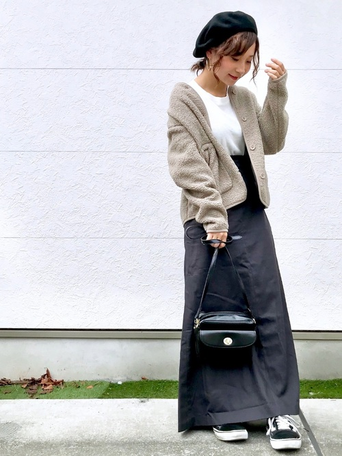 ベレー帽をスカートスタイルでガーリーにコーディネート9