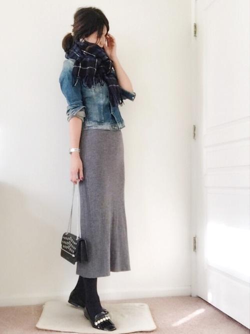 上品なシルエットのスカートは大人女子にもピッタリ
