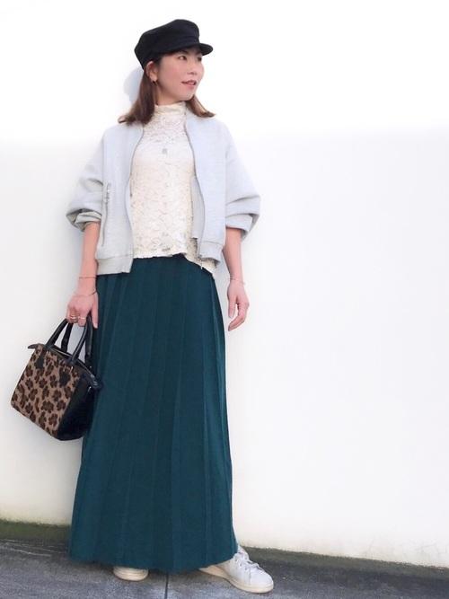 上品なシルエットのスカートは大人女子にもピッタリ2