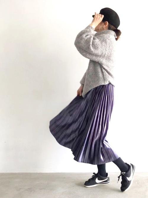 ニット×プリーツスカート