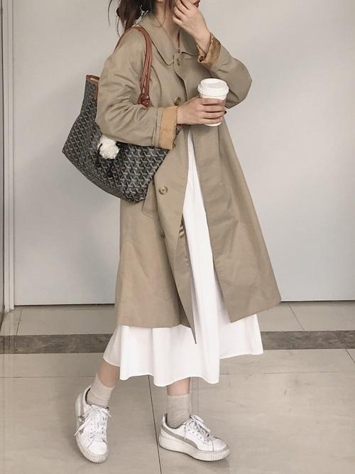 白スニーカー×スカート5