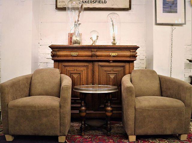 スタイリッシュな家具と雑貨はバランスよく飾る2