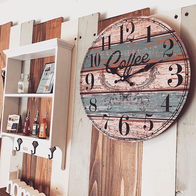 デザインが印象的な壁掛け時計4