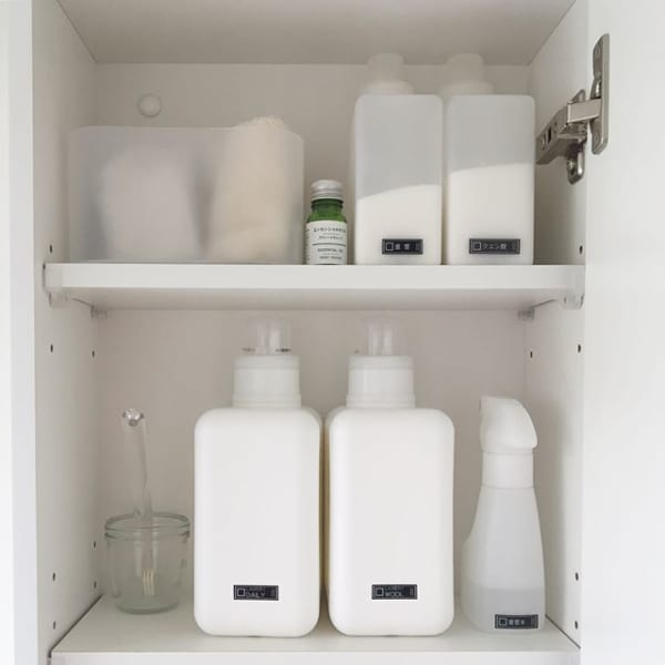 ミラー裏の収納も洗剤収納に便利2