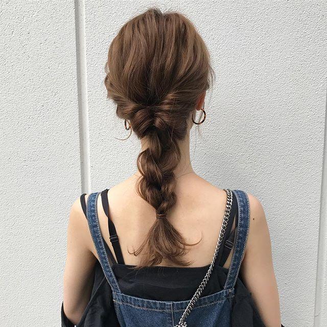 ゴムだけで作る簡単まとめ髪9