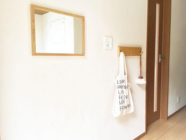 無印良品の壁に付けられる家具・ミラー
