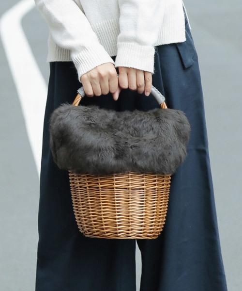 カカトゥ kakatoo / ラビットファーフラップ付き柳ラウンドかごバッグ