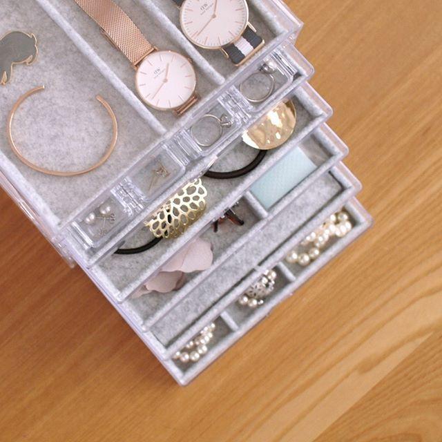 ダイソーの三段引き出しケース×セリアのコンパクトパーツケースとグレーのフェルト