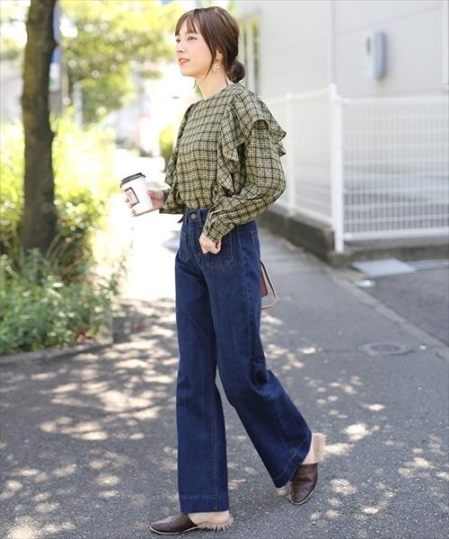 ハイウエストフロントWポケットデザインスリムフィット裾フレアワイドデニムパンツ