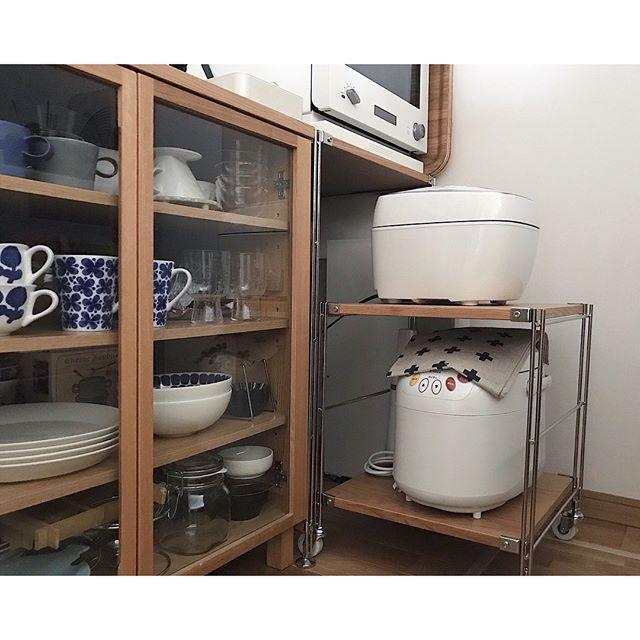キッチンで使う人多し!カスタムできて便利な「ユニットシェルフ」2