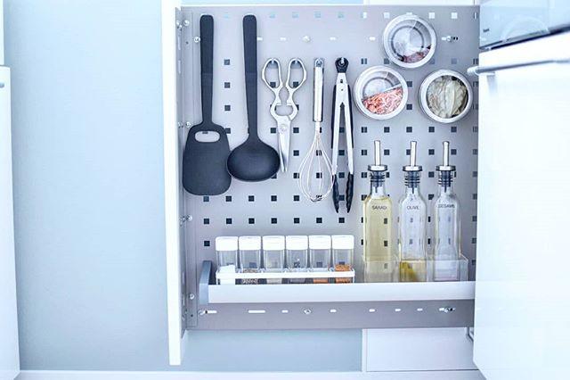 しゃもじやヘラなどの調理器具たち