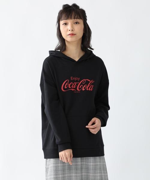 [Honeys] 大人気コラボアイテム コカ・コーラロゴが目を惹く一枚 コカコーラパーカー