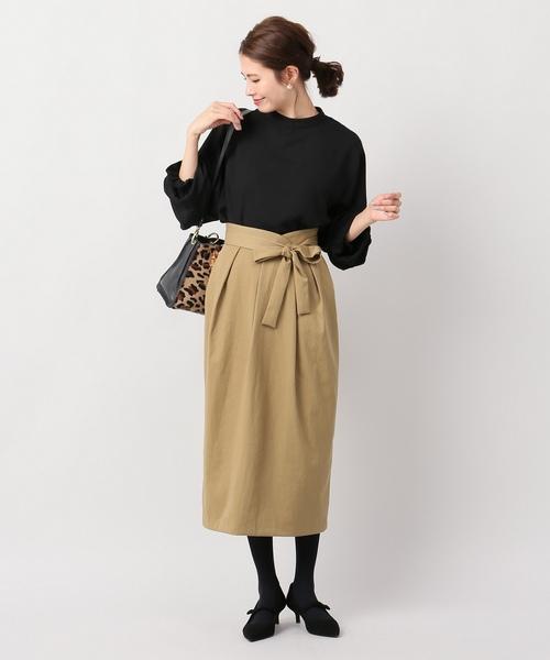 ナイロンツイルタックタイトスカート