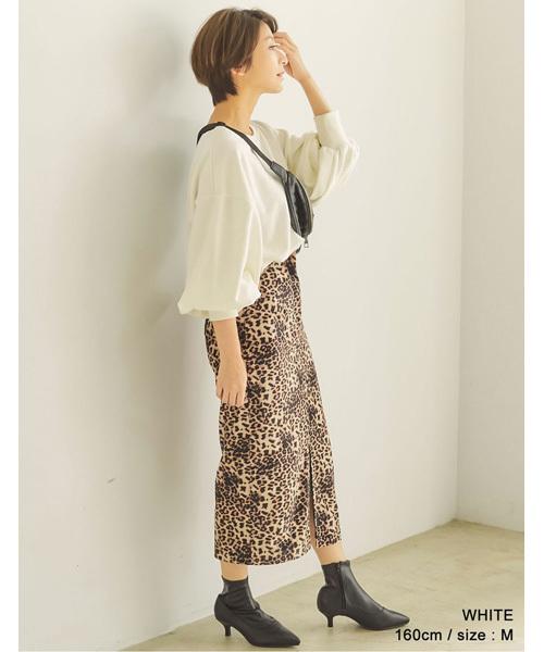 スウェット×レオパード柄スカート