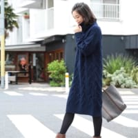 冬らしさをアピール♡ほっこり暖かいケーブル編みのニットワンピースコーデ