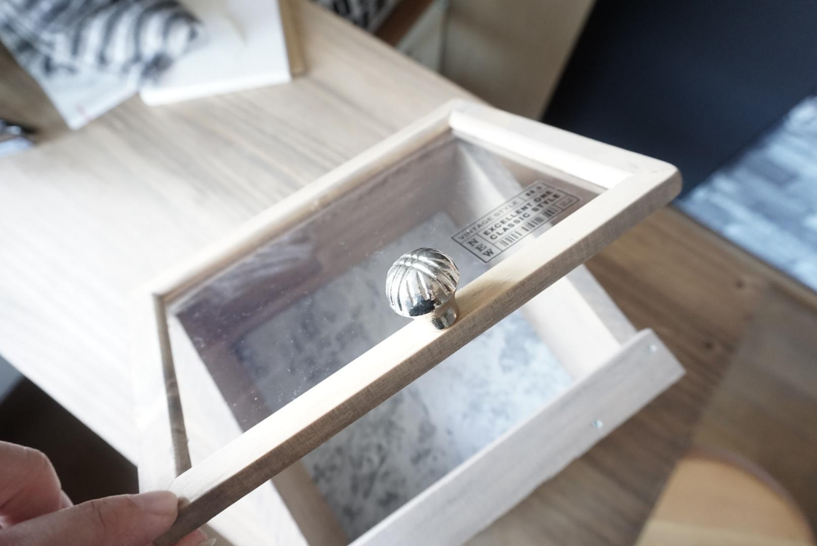 DIY 窓付飾り棚収納ケース 作り方5