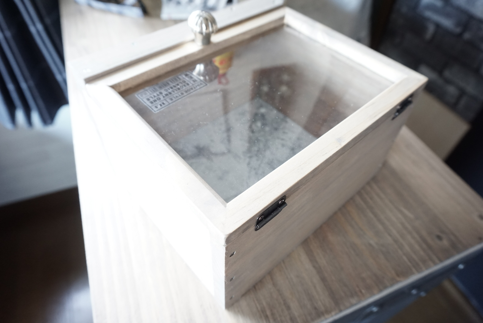 DIY 窓付飾り棚収納ケース 作り方6