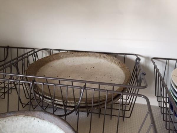 ダイソー】のカゴで食器を収納13