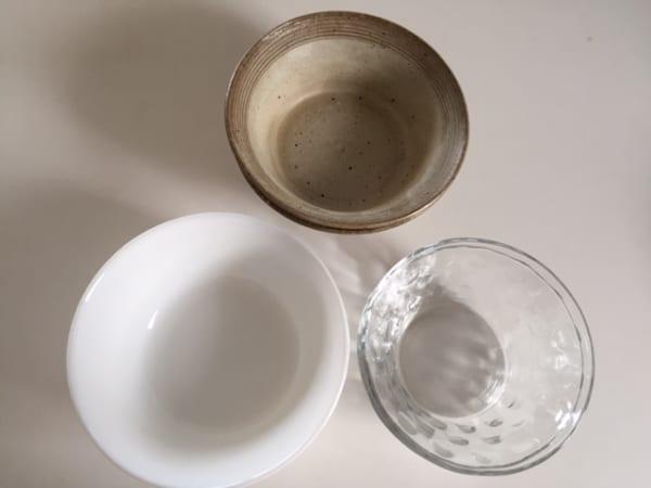 【ダイソー】のカゴで食器を収納3