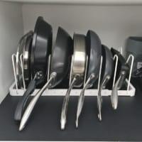 【連載】モノトーンでおしゃれに♪カップボード内の調理グッズ収納!