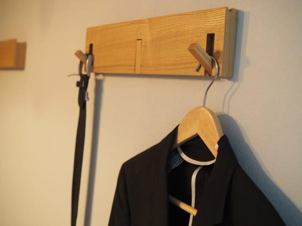 壁に付けられる家具・3連ハンガー2