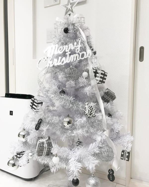 シンプルで落ち着きのあるクリスマスの飾り付けアイディア10
