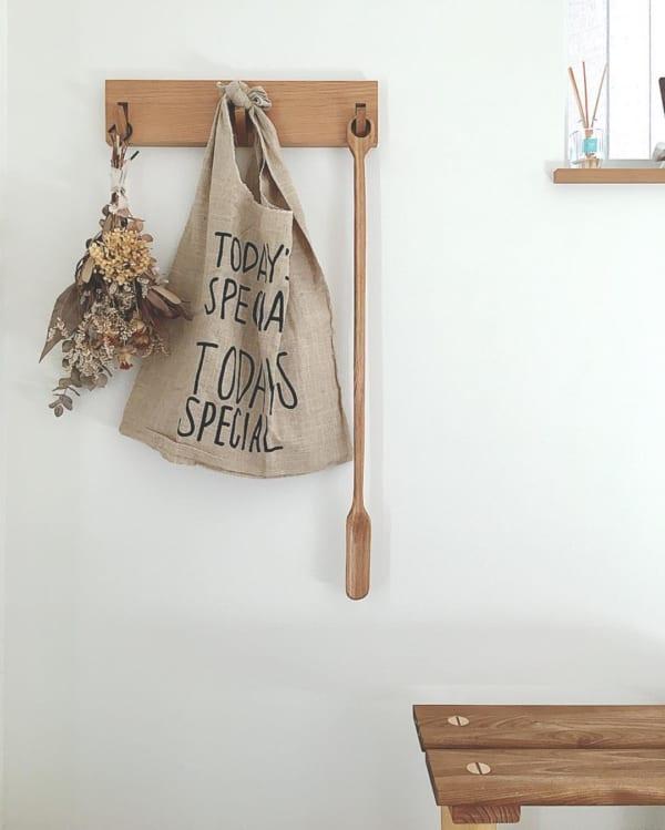 壁に付けられる家具3連フック:玄関壁にくつべら掛けとして
