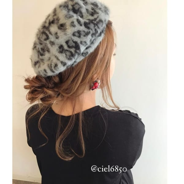 冬のファッションに合わせたい!ニット帽やベレー帽に合うヘアアレンジ♡11