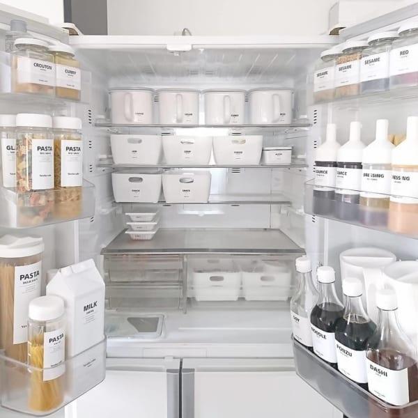 54fec4be6d 冷蔵庫収納アイデア集☆きれいに整理整頓するコツ&おすすめ商品をご紹介 ...