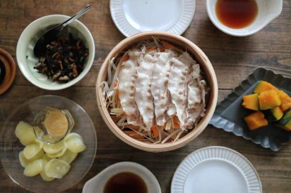 熱々をテーブルに。ぬくもり感溢れる冬の食卓を演出18