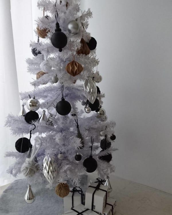 シンプルで落ち着きのあるクリスマスの飾り付けアイディア18