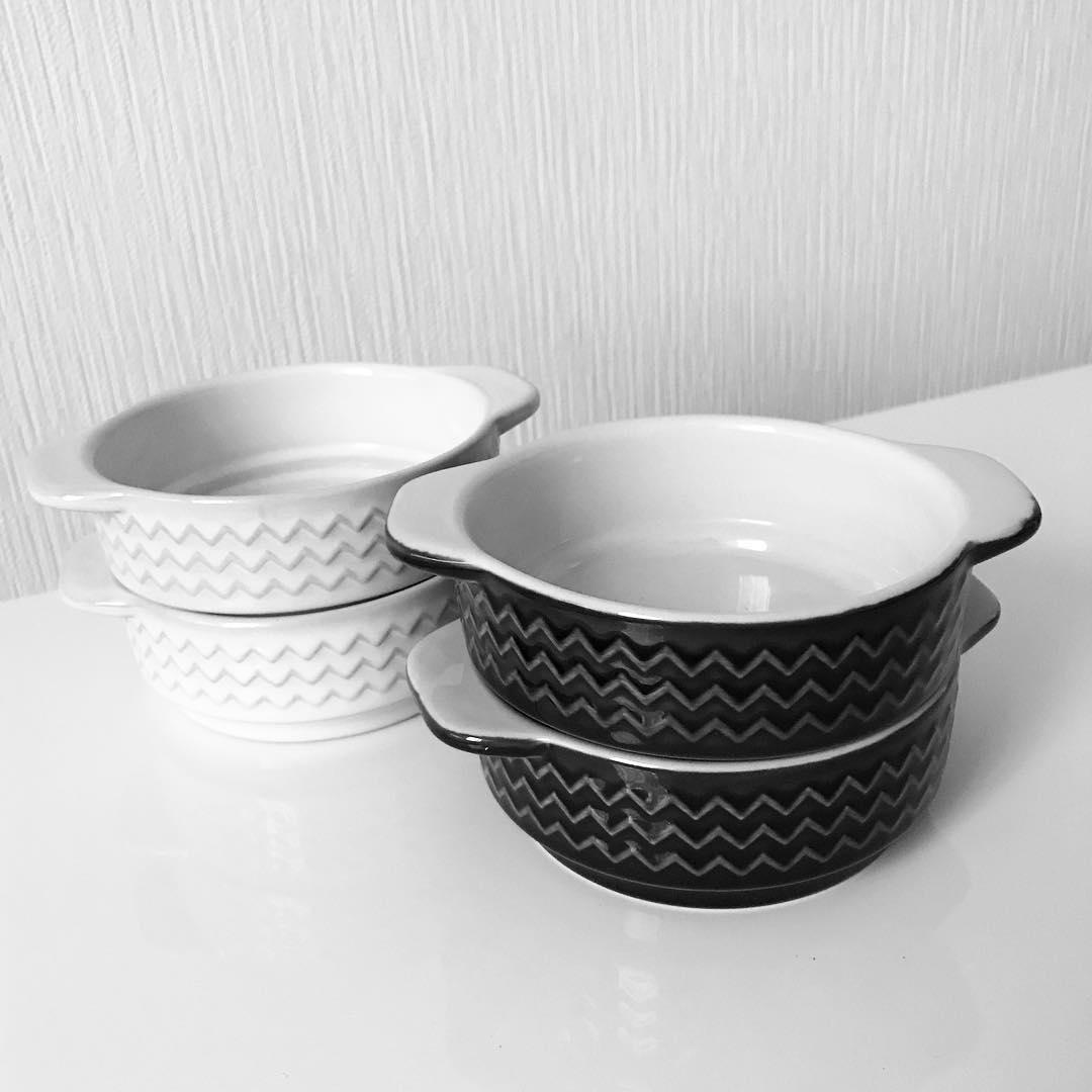 シェブロン柄のグラタン皿(セリア)