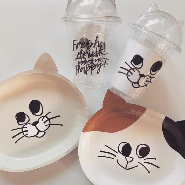 ネコ柄のペーパープレートとプラカップ(キャンドゥ)