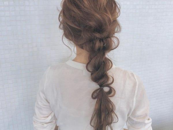 ゴムだけで作る簡単まとめ髪5