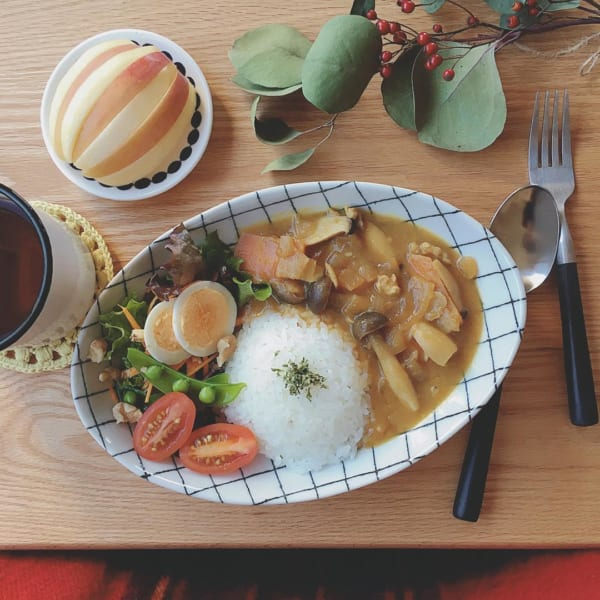 モダンな器でカフェ風カレー