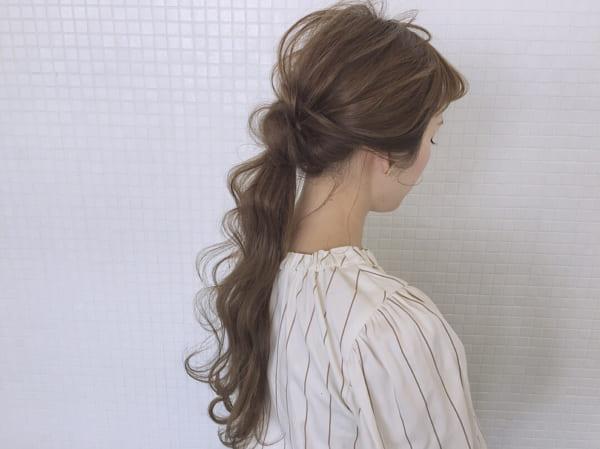 ゆるふわウェーブのまとめ髪3